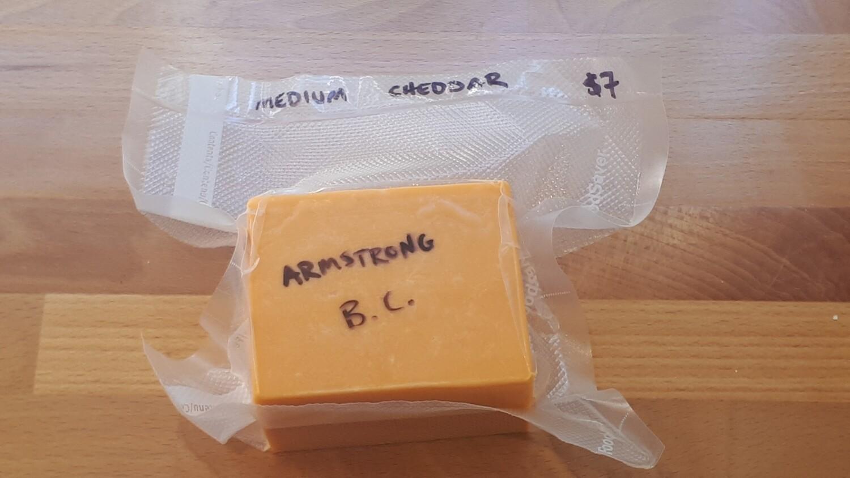 Armstrong Medium Cheddar
