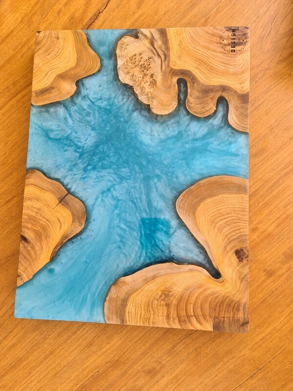 RESIN SERVING/CHEESE BOARD - LIGHT BLUE