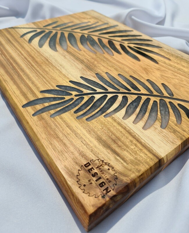 SERVING/CHEESE BOARD - AUSTRALIAN BLACKWOOD - BLACK & WHITE (LEAVES)