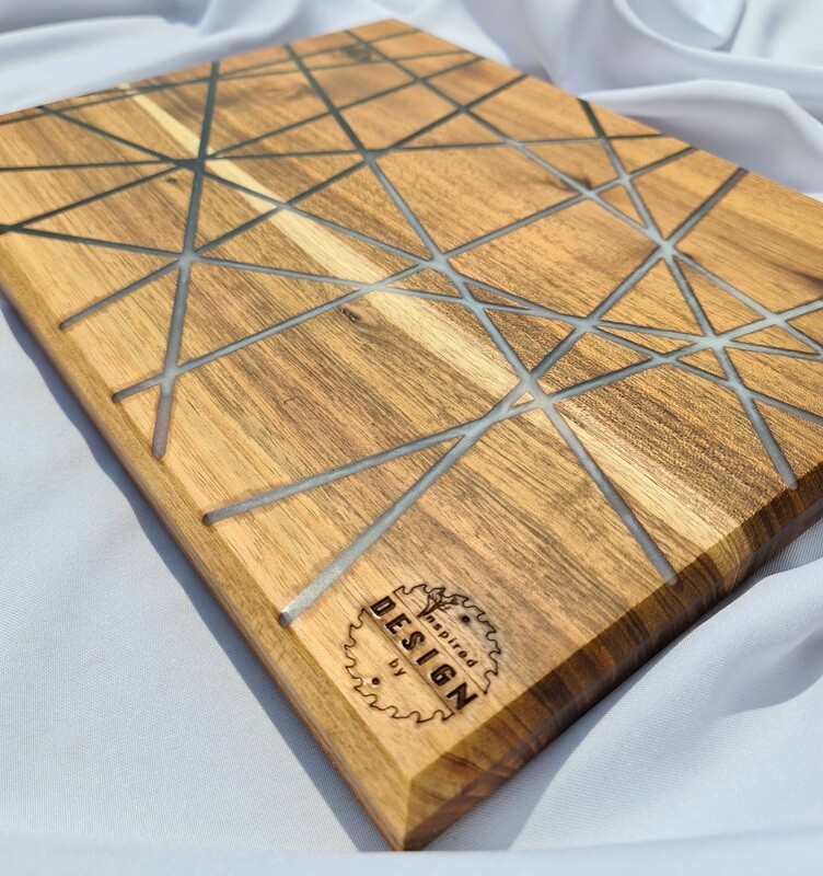 SERVING/CHEESE BOARD - AUSTRALIAN BLACKWOOD - BLACK & WHITE (LINES)