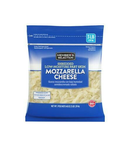 Member's Selection Shredded Low-Moisture Part Skim Mozzarella Cheese 1.36 kg / 3 lb