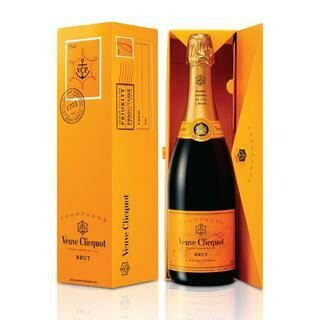 VEUVE CLICQUOT BRUT ENVELOPE- 750 ml