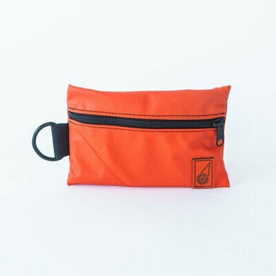 Rugged Seas Dry Clutch