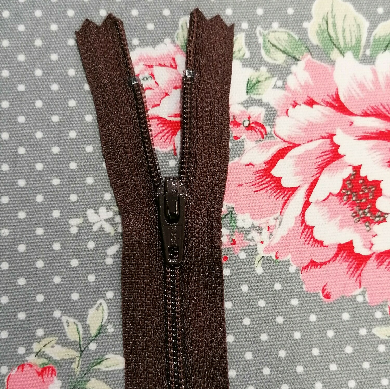 """20cm (8"""")  Skirt & trouser zips - Dark Brown"""
