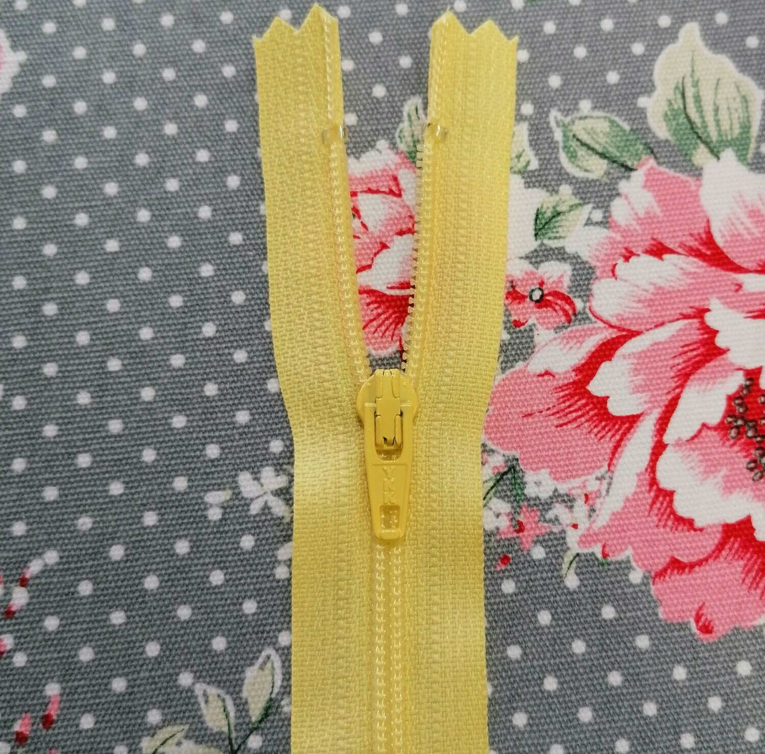 "23cm (9"") skirt & trouser zips - Lemon"
