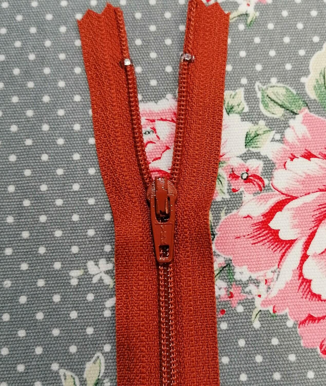 """Dress Zip 23cm (9"""") Rust"""