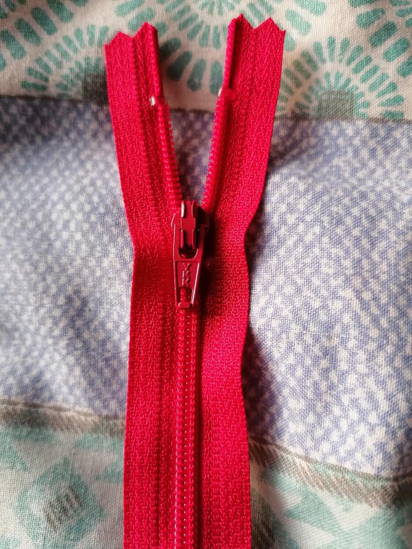 "30cm (12"")  dress zip - Cerise"