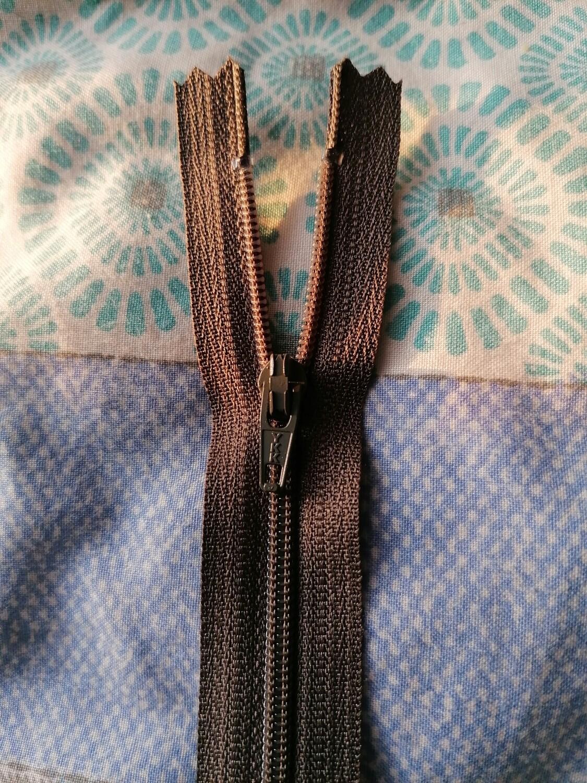 """23cm (9"""") skirt & trouser zips - Taupe"""