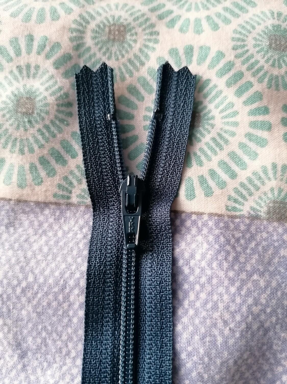 """23cm (9"""") skirt & trouser zips - Light navy"""