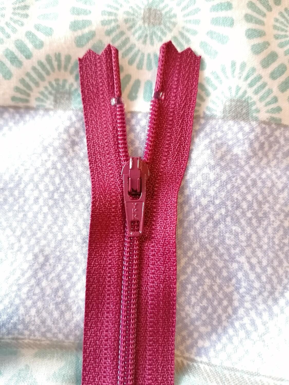 """23cm (9"""") skirt & trouser zips -  Wine"""