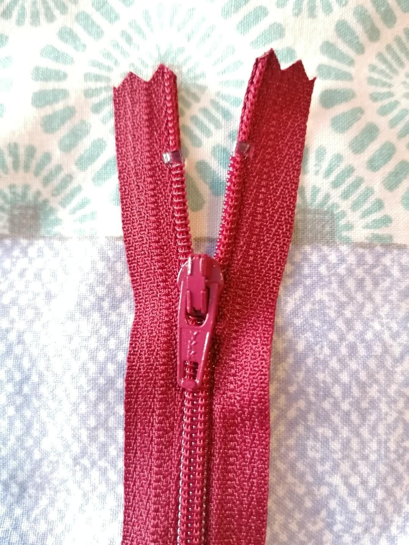 """23cm (9"""") skirt & trouser zips -  Burgundy"""