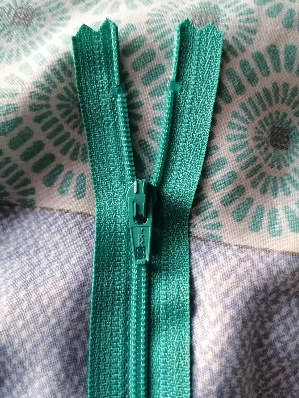"""23cm (9"""") skirt & trouser zips -  light jade"""