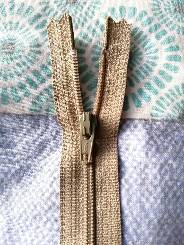 """23cm (9"""") skirt & trouser zips -  Light Khaki"""