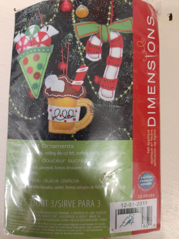 Dimensions - Christmas Felt Ornaments
