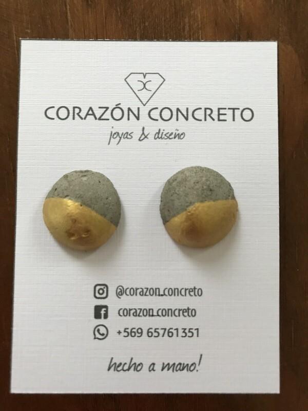 Aritos cemento gris con dorado