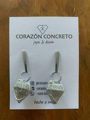 Aritos diamantes cemento gris