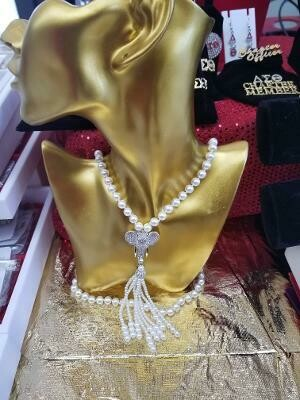 ELEPHANT - PEARL NECKLACE