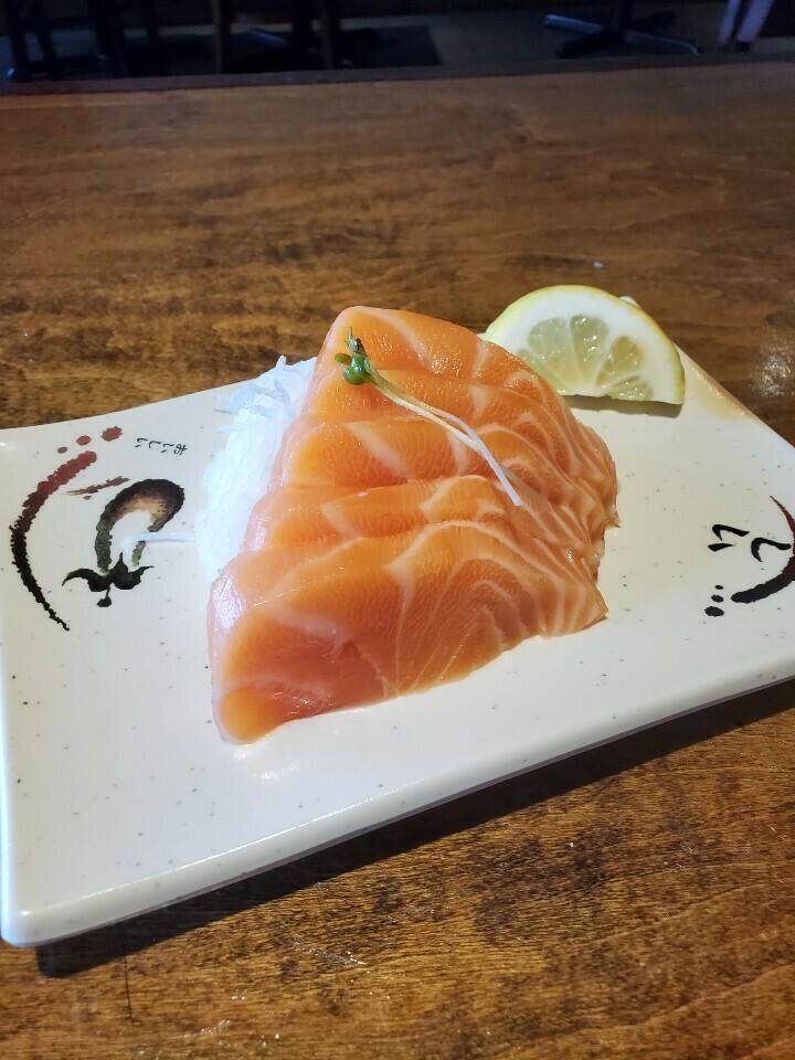 Salmon Sashimi (5pcs)