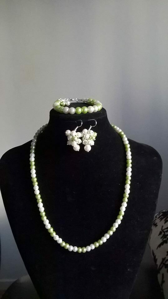Apple lime green & Ivory Cream Pearl Necklace Bracelet & Earring Set - Bridesmaids Flower Girl Bride wedding gift Gemstoneriver