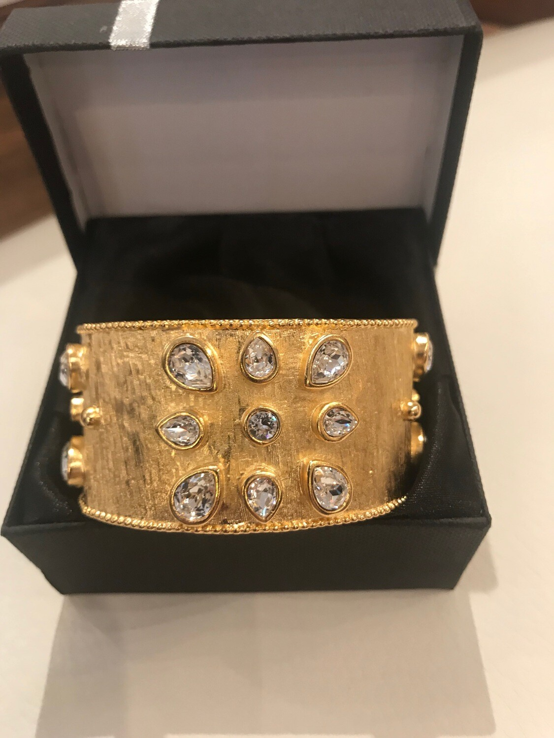 Cuff Brush gold plated with large rhinestone Pear shape & Brilliant