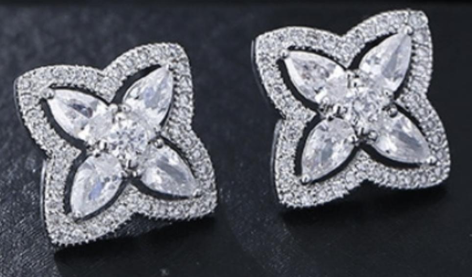 Earrings Star with Rhinestones