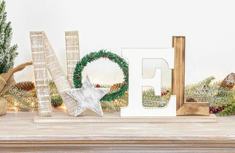 Noel Wreath Tabletop