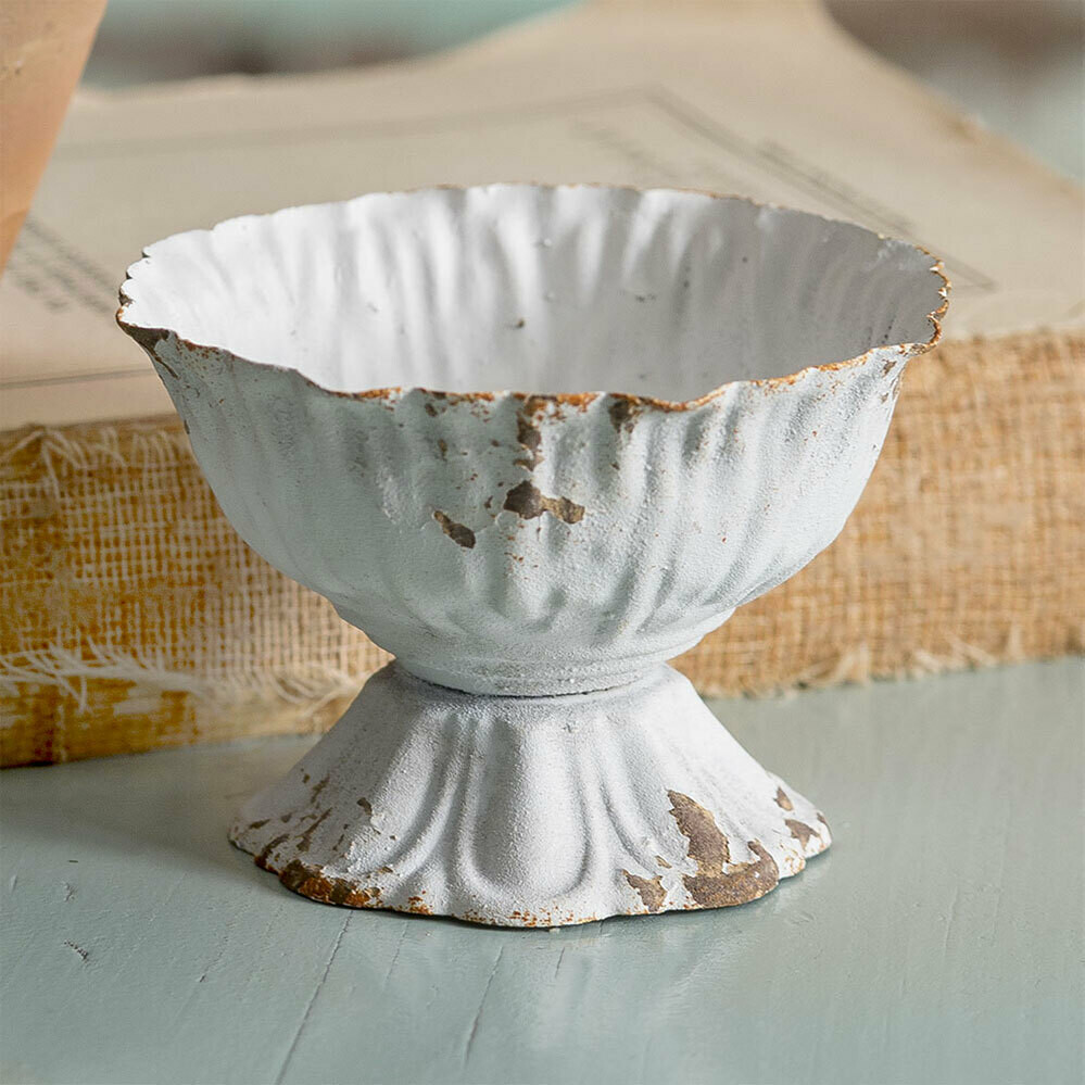 Mini Distressed Scalloped Cup