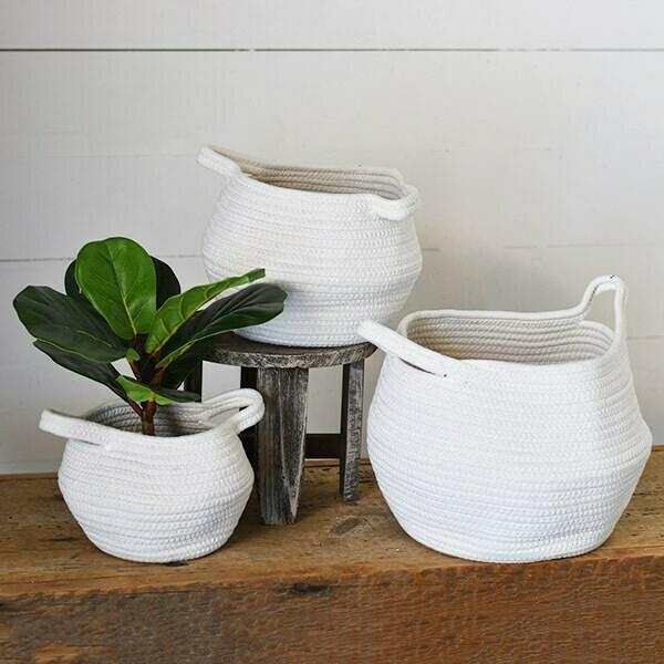 Sm White Pom Basket