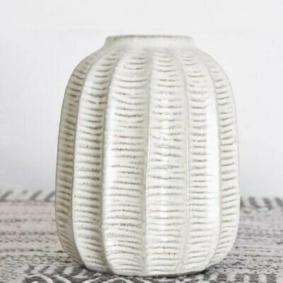 Sm Line Pattern Vase