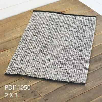 2x3 B&W Woven Pattern Rug