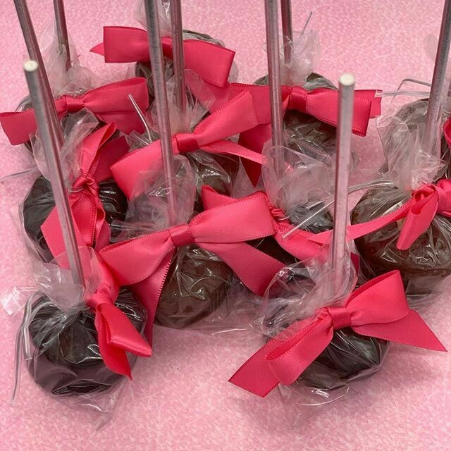 CHEESECAKE POPS BY THE DOZEN