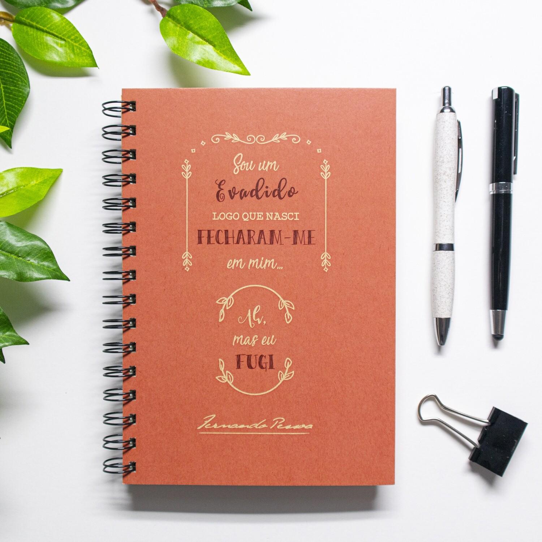 Caderno - Sou um evadido, logo que nasci, fecharam-me em mim