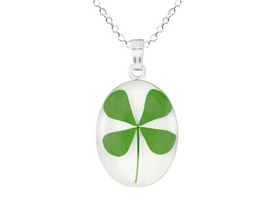 Clover Necklace, Medium Oval, White Background