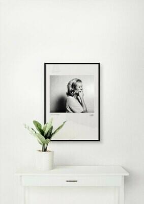 Suzanne von Borsody, SW-Portrait im Passepartout, 24 x 30 cm