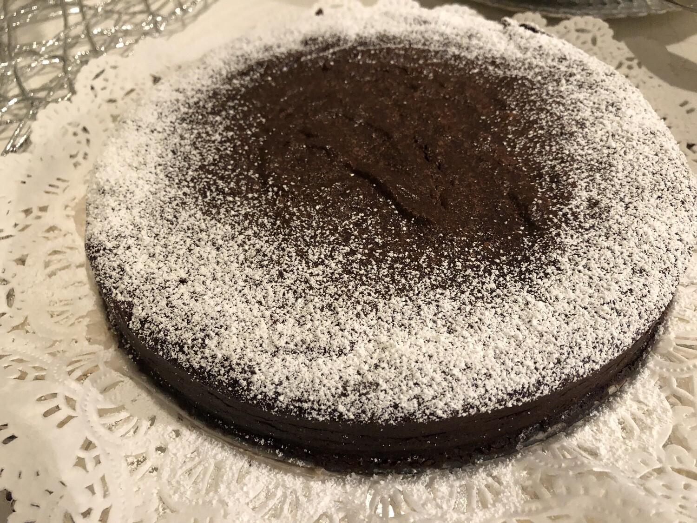 "SWEET TREAT : CHOCOLATE FLOURLESS CAKE    |    GF   |   DF      |    8"" round pan    |   serves 8-10"