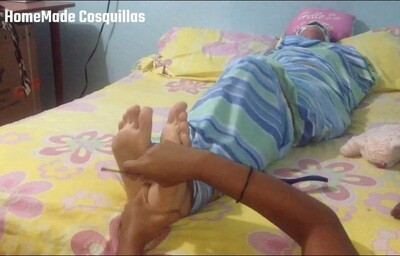 Daniela mummified tickle torture! FF/F