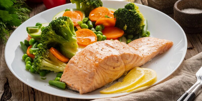 Smokin' Summer Alderwood Smoked Wild Copper River Alaskan Salmon with Vegetables de Provence