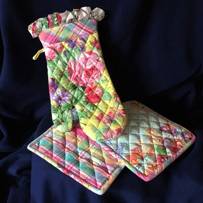 Floral Patchwork Pot Holders & Oven Mitts