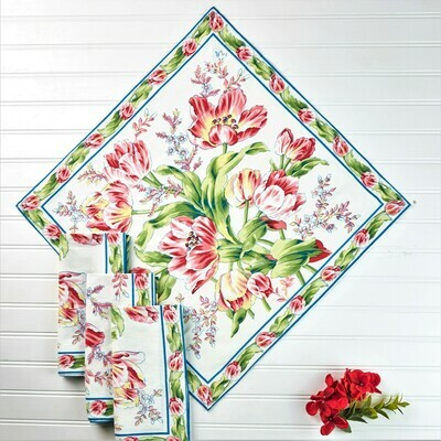 Tulip Dance Napkin Set on White