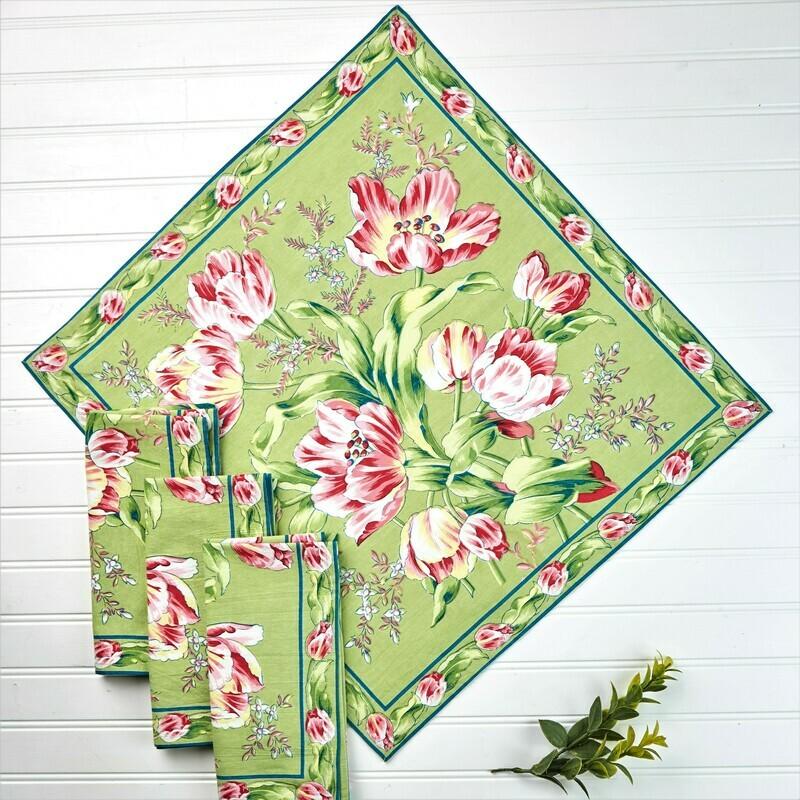 Tulip Dance Napkin Set on Green