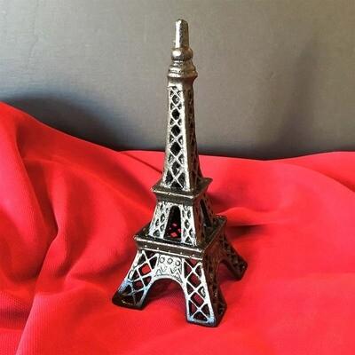 Eiffel Tower Accent