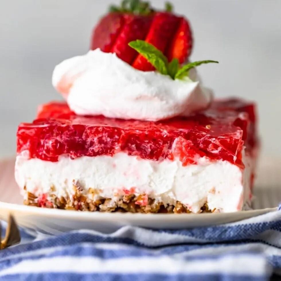 Mixed Berry Pretzel Tart