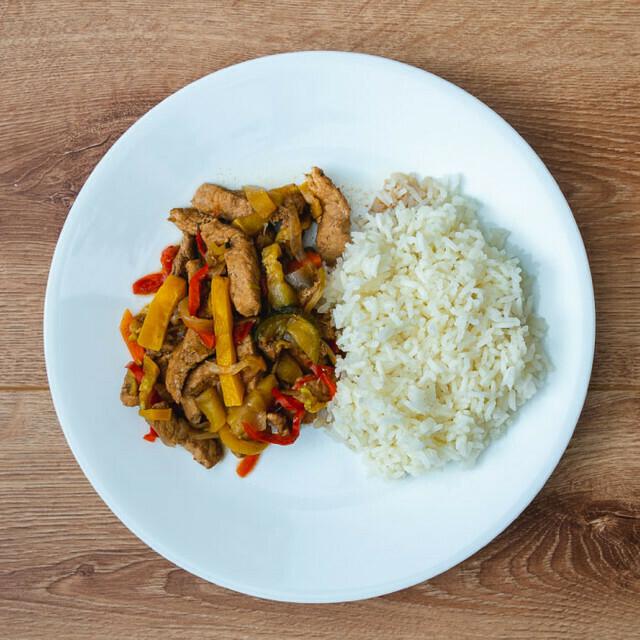 Julianas de Pollo con Vegetales al Wok