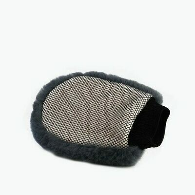 Lambswool Wash Mitt with Bug Remover