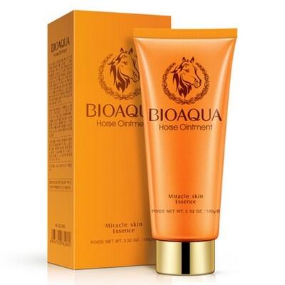 Пенка для умывания с лошадиным маслом для чувствительной кожи BIOAQUA