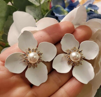 White Margarita and Pearls Earrings