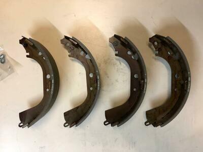 Колодки тормозные барабанные RR TOYOTA 04495-60070  (комплект)