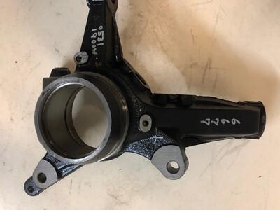 Кулак поворотный FR LH передний Toyota 43212-28070