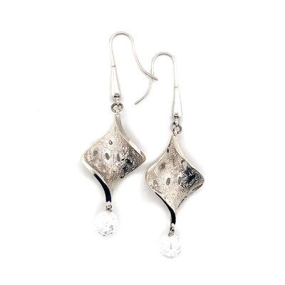 Quartz Crystal Coral pattern earrings.