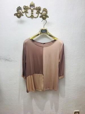 Camiseta rosa estructura